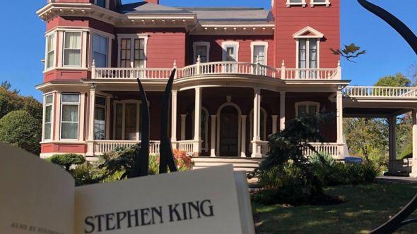 Stephen King's house, photo by Johann Trotter