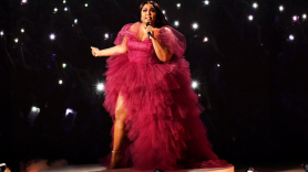 Lizzo AMAs American Music Awards Jerome Performance Watch