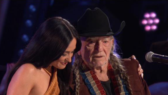 Willie Nelson and Kacey Musgraves at the CMAs