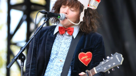 Beach Slang Jolly Liver holiday song music stream