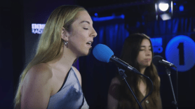 Haim Robyn Show me Love Hallelujah BBC Radio 1 piano sessions