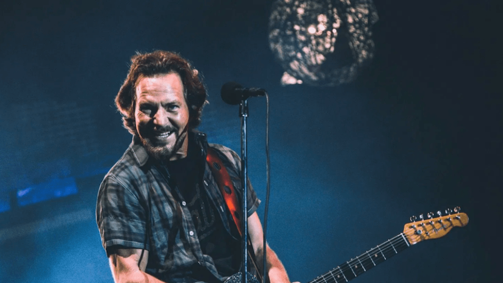 pearl jam holiday singles spotify streaming ten club