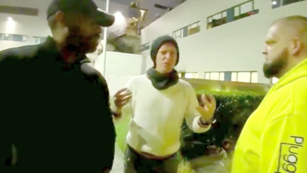 chris martin angry flips out autographs
