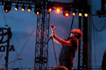 Pearl jam Wrigley 2013 Gretchen Bachrodt live concert review