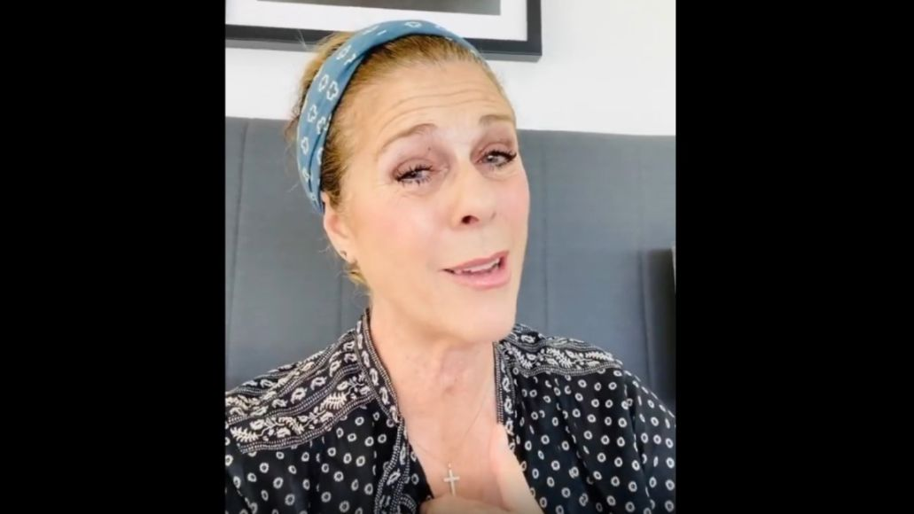"""Rita Wilson rapping along to Naughty By Nature's """"Hip Hop Hooray"""""""