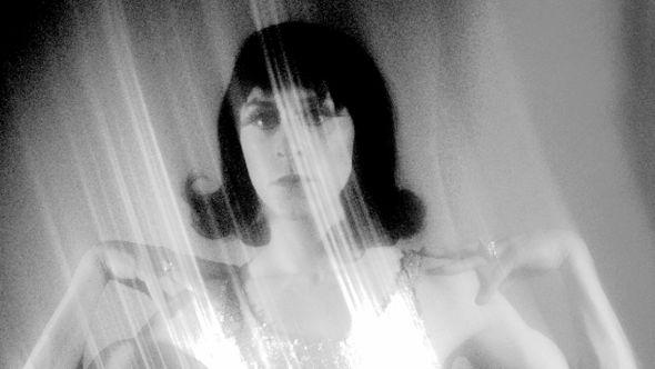 Cindy Lee Cat O'Nine Tails album Women band singer, photo by Phil Osborne