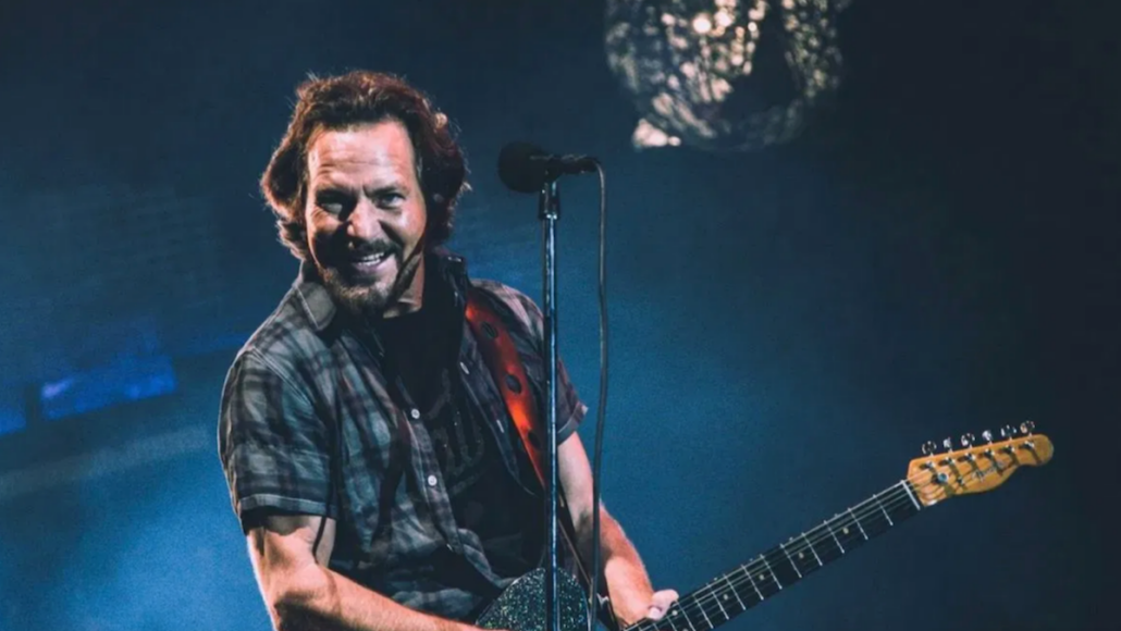 pearl-jam-gigaton-visual-experience-apple-tv-streaming-release
