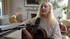 laura-marling-held-down-colbert-video-watch-performance