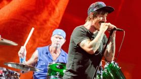 red hot chili peppers lollapalooza 2006 concert video stream vault archives