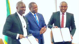 Akon City Senegal owner rapper finalizing the city agreement, photo via Instagram/@akon