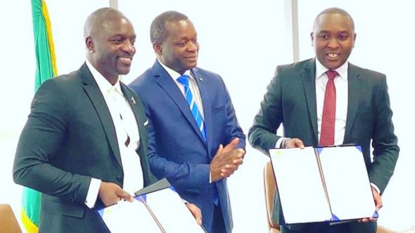 Akon City Senegal owner rapper finalizing the city agreement, photo via Instagram/@akon