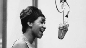 aretha franklin never gonna break my faith solo version released