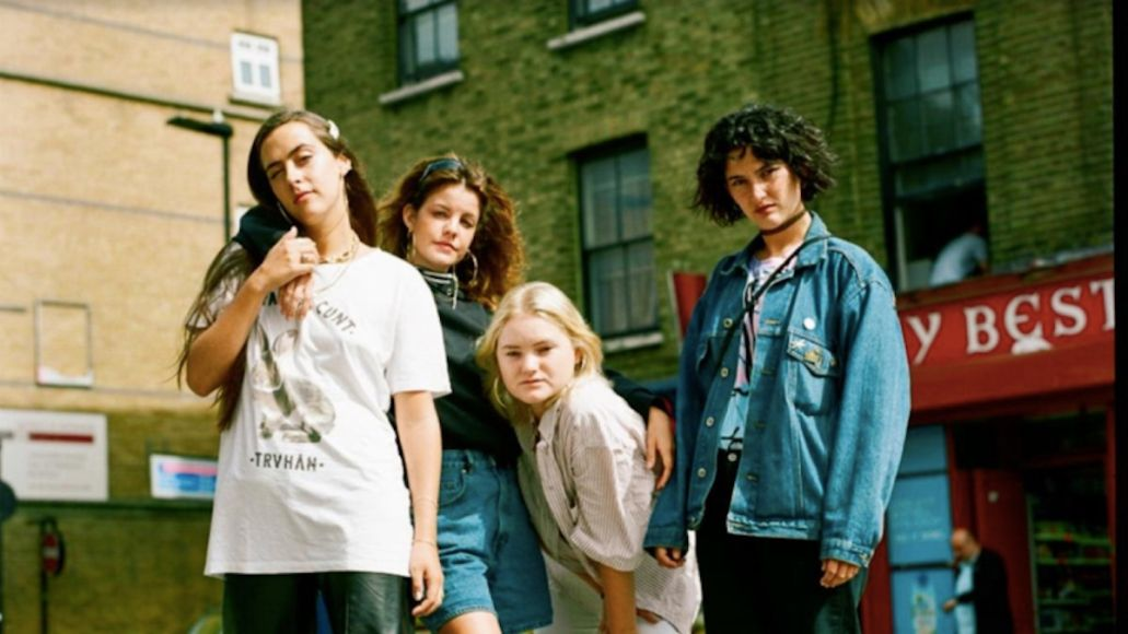 Hinds Spanish Bombs cover The Clash new music stream, photo by Keane Pearce Shaw