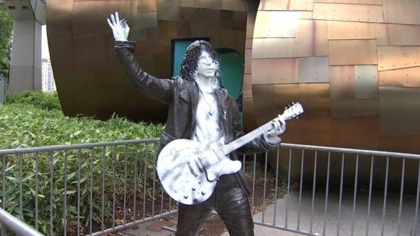 Chris Cornell statue