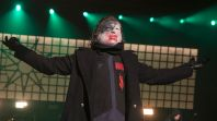 Slipknot Corey Taylor wear a mask