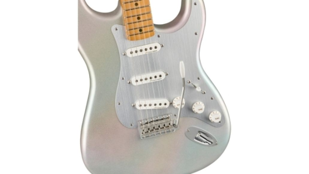 0140242343 fen ins fbd 1 nr H.E.R. Is First Black Female Artist to Launch Fender Signature Guitar
