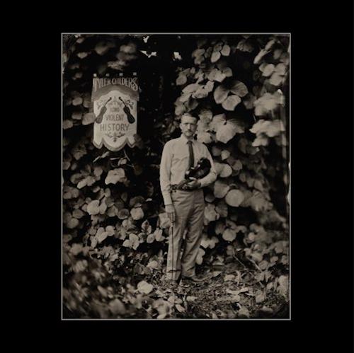 Tyler Childers Longue histoire violente oeuvre Tyler Childers abandonne un nouvel album surprise Longue histoire violente: Stream