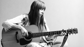 joni-mitchell-archival-vol-1-the-early-years-stream