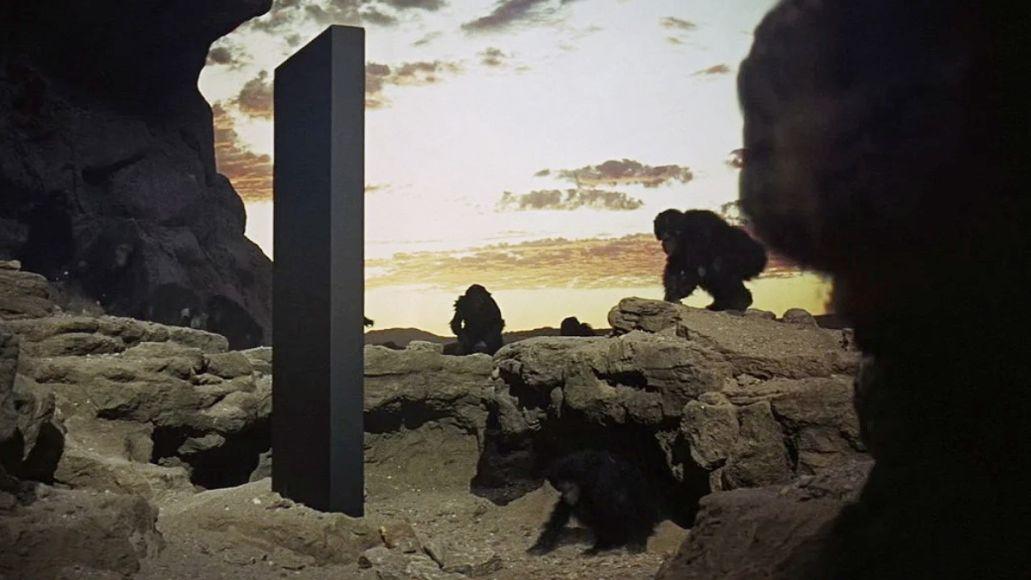 Strange 2001-Like Monolith Found in Utah Desert