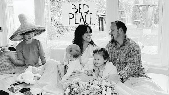 Alanis Morissette Happy Xmas (War Is Over) stream John Lennon cover Yoko Ono holiday song, photo courtesy of the artist