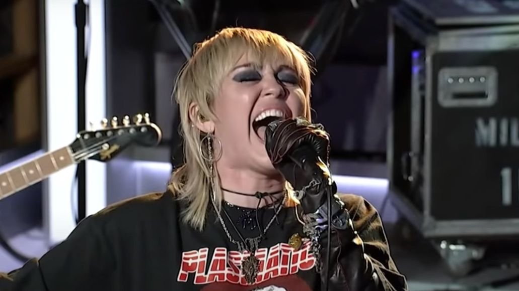 Miley Cyrus covers Hole