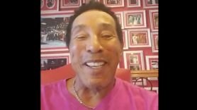Smokey Robinson Chanukah Cameo Hanukkah video, photo via Twitter