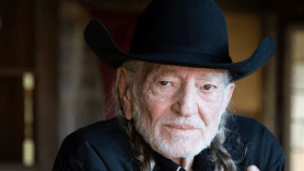 """Willie Nelson Shares Cover of Frank Sinatra's """"That's Life"""""""