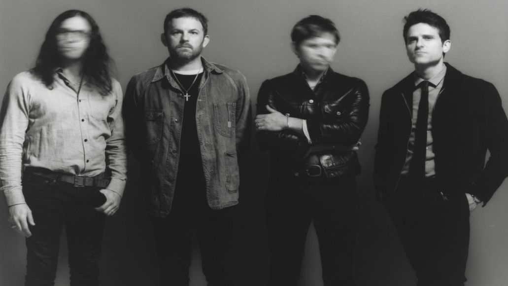 "Kings of Leon Share New Song ""Echoing"""