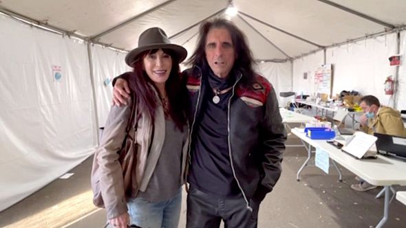 Sheryl and Alice Cooper get vaccinated