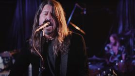foo fighters tonight show jimmy fallon waiting on a war interview