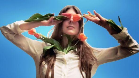 """Lydia Ainsworth Announces New Album Sparkles & Debris, Shares """"Parade"""""""
