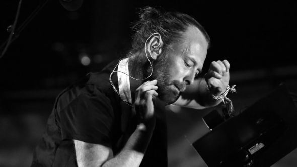 radiohead thom yorke creep remix japenese fashion show Jun Takahashi's Fall 2021 collection