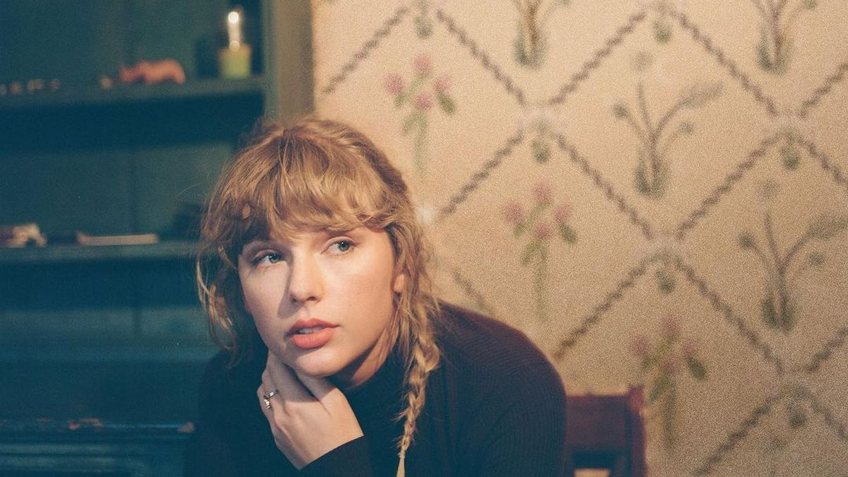 """Taylor Swift Shares Previously Unreleased Song """"Mr. Perfectly Fine"""": Stream"""