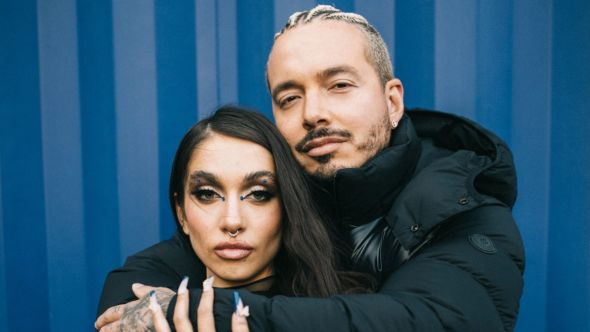 J Balvin Maria Becerra collaborate new song stream Qué Más Pues?