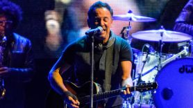 bruce springsteen new album acoustic set woody guthrie prize ceremony event award cover ben kaye