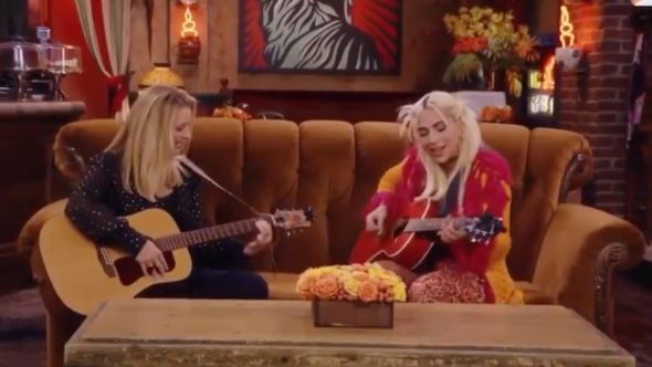 lisa kudrow lady gaga smelly cat friends reunion special hbo max