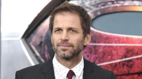 Zack Snyder says batman going down on catwoman is canon