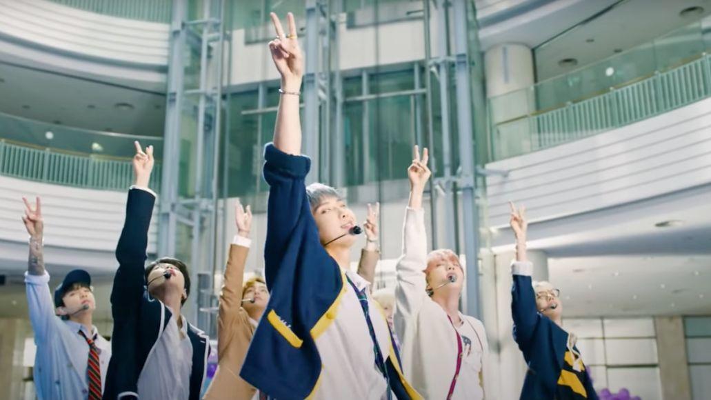 "BTS perform ""Permission to Dance"" on Fallon"