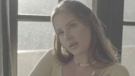 Lana Del Rey Blue Banisters