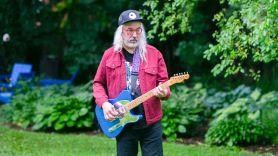 J Mascis Fender Guitar Review