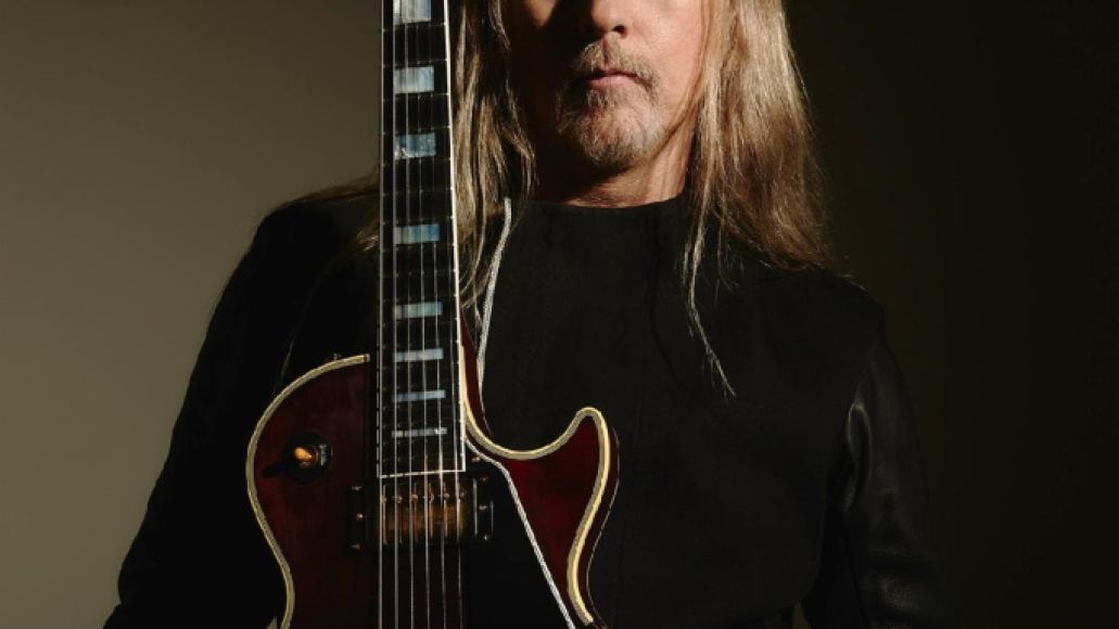 unnamed 10 Alice in Chains' Jerry Cantrell and Gibson Unveil Signature Wino Les Paul Electric Guitar