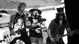 Guns N' Roses Hard Skool live