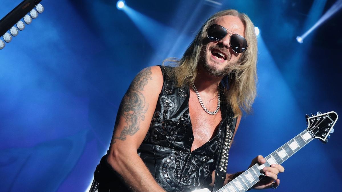 Judas Priest adia turnê americana por problemas cardíacos de Richie Faulkne