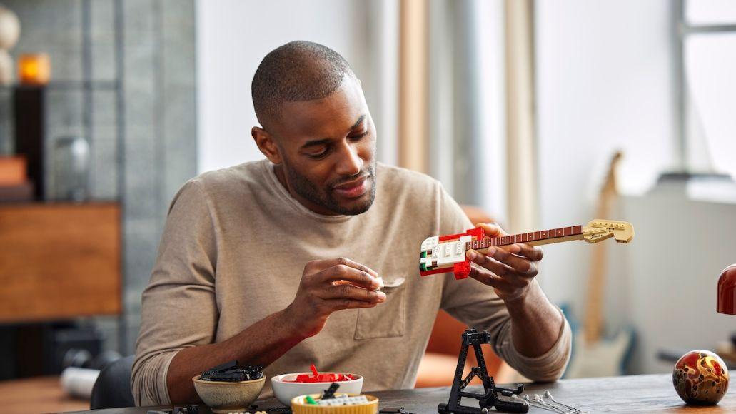 Lego Strat Build