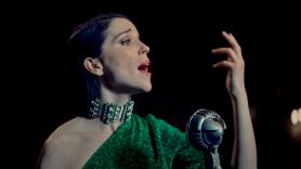 St Vincent Nowhere Inn song stream Carrie Brownstein mockumentary score movie film soundtrack music video St. Vincent, photo via YouTube