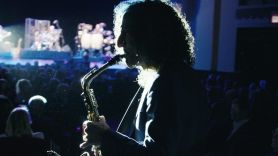 Listening to Kenny G documentary film movie review (HBO)