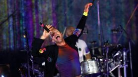 Coldplay cover Pearl Jam