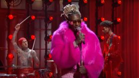 young thug saturday night live performance tick tock love you more nate ruess gunna travis barker punk watch